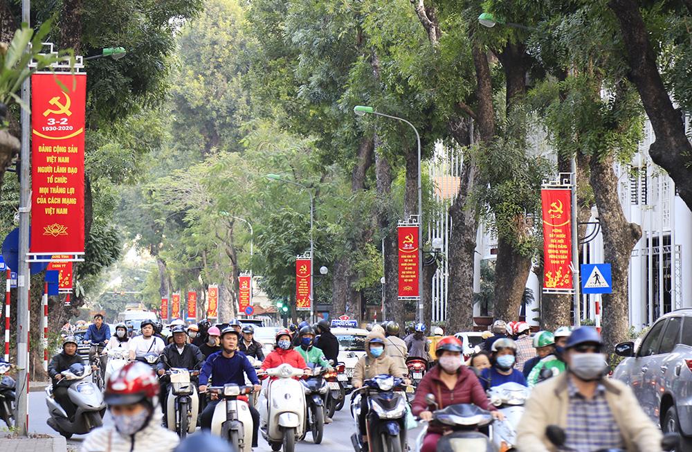 Hà Nội rực rỡ cờ, hoa mừng Đảng, mừng Xuân Canh Tý 2020